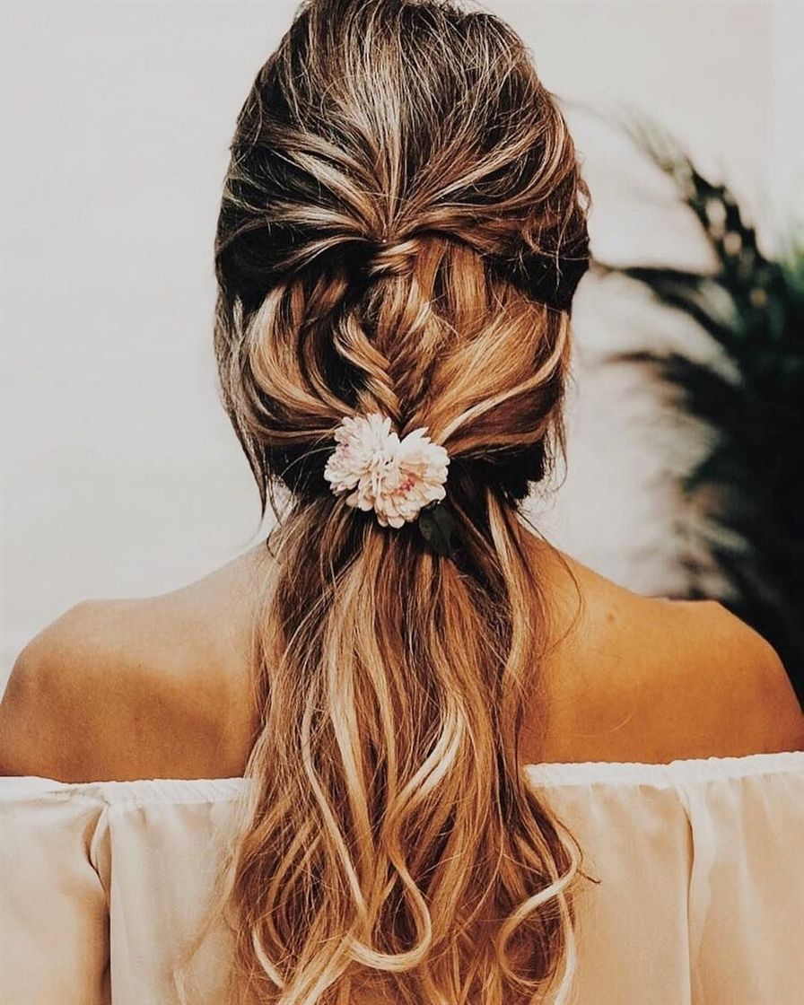 """138 Me gusta, 3 comentarios – Wilkie Blog (Wilkie Blog) en Instagram: """"Tag who would love this stunning bridal hairstyle ♀️ <a class=""""pintag"""" href=""""/explore/Repost/"""" title=""""#Repost explore Pinterest"""">#Repost</a> Bridalada"""" <a class=""""pintag"""" href=""""/explore/BridalHairstyle/"""" title=""""#BridalHairstyle explore Pinterest"""">#BridalHairstyle</a><p><a href=""""http://www.homeinteriordesign.org/2018/02/short-guide-to-interior-decoration.html"""">Short guide to interior decoration</a></p>"""