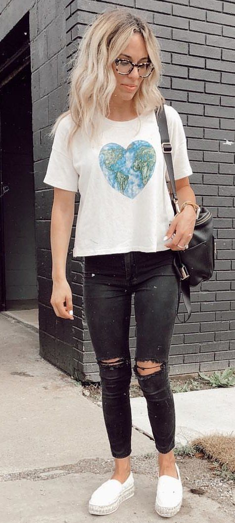 beige crew-neck t-shirt and distressed black jeans #summer #outfits