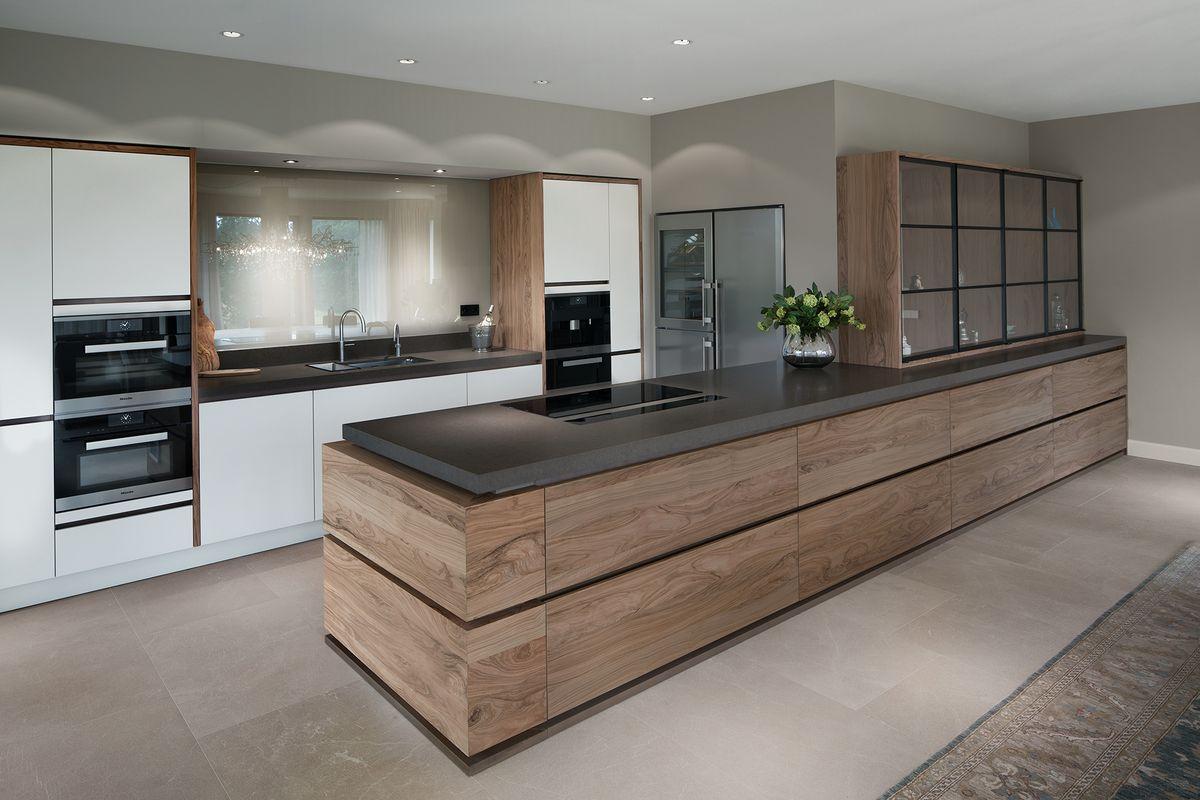 Offene Küche Mit Bodenfliesen Und Esszimmer Mit Laminat   Eine Sichtbare  Abtrennung | Küche | Pinterest | Interiors, Kitchens And Open Kitchens