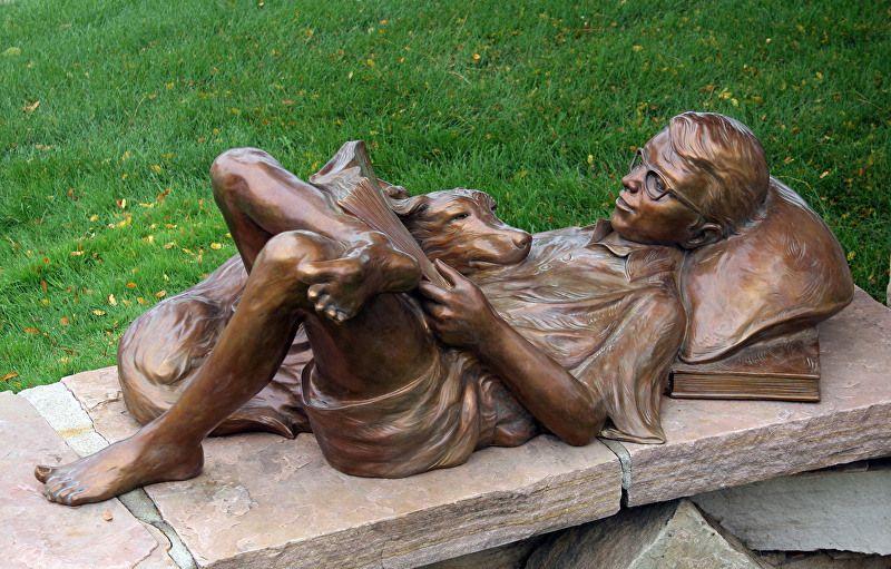 Contentamento. Bronze. Gary Alsum (escultor americano).