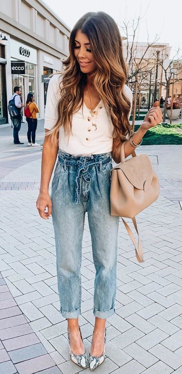 White Top + Vintage Jeans #spring #outfits