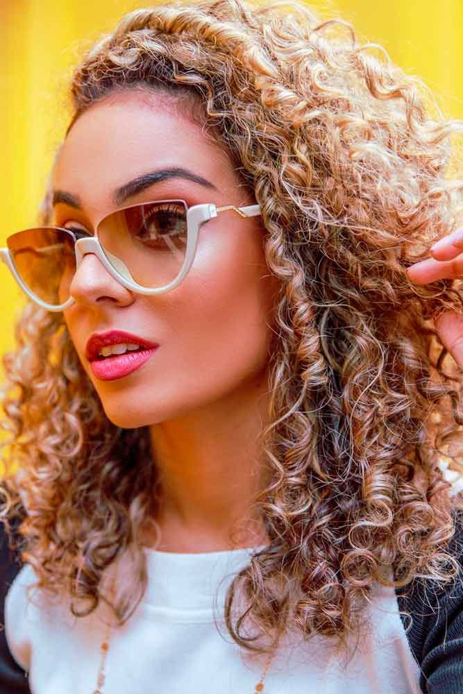 Spiral Perm #blondehair #curlyhairstyles ★ The best types and styles of modern perm for your flawless look. #glaminati #lifestyle #perm