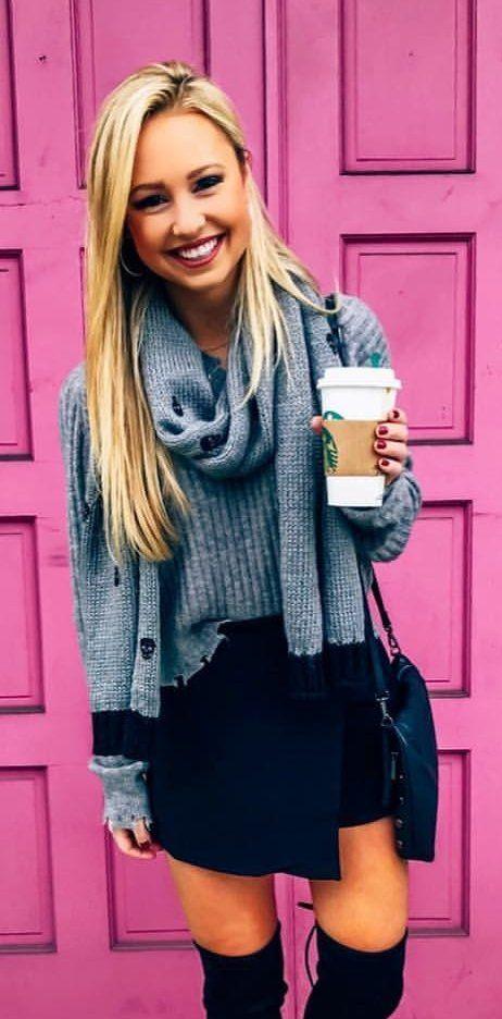 gray knitted shirt