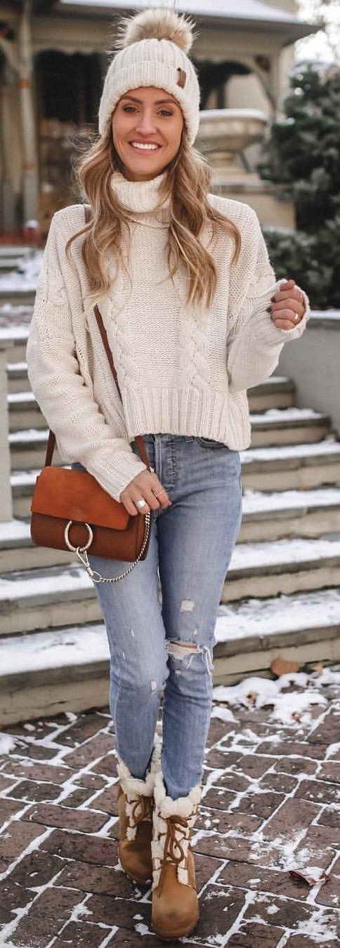 white knitted sweater #winter #outfits