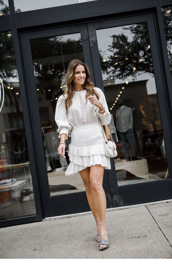 Chic shirt and skirt, all white look