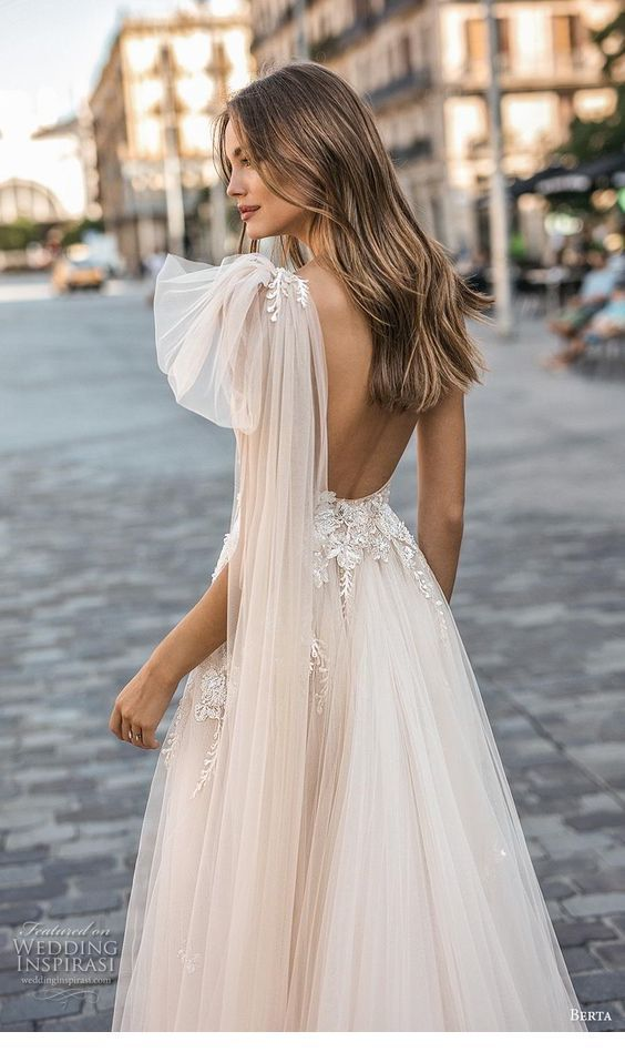 Glam backless long dress with tulle