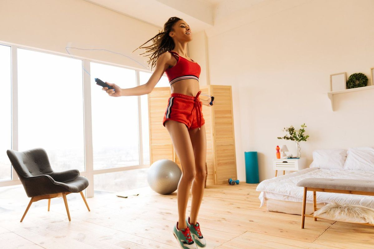 Tired of overpaying for boutique fitness classes? @iamwellandgood rounded up 15 exercise you can do at home for free -- motivation comes separately.  #fitness #fitnessblogger #athomeworkout