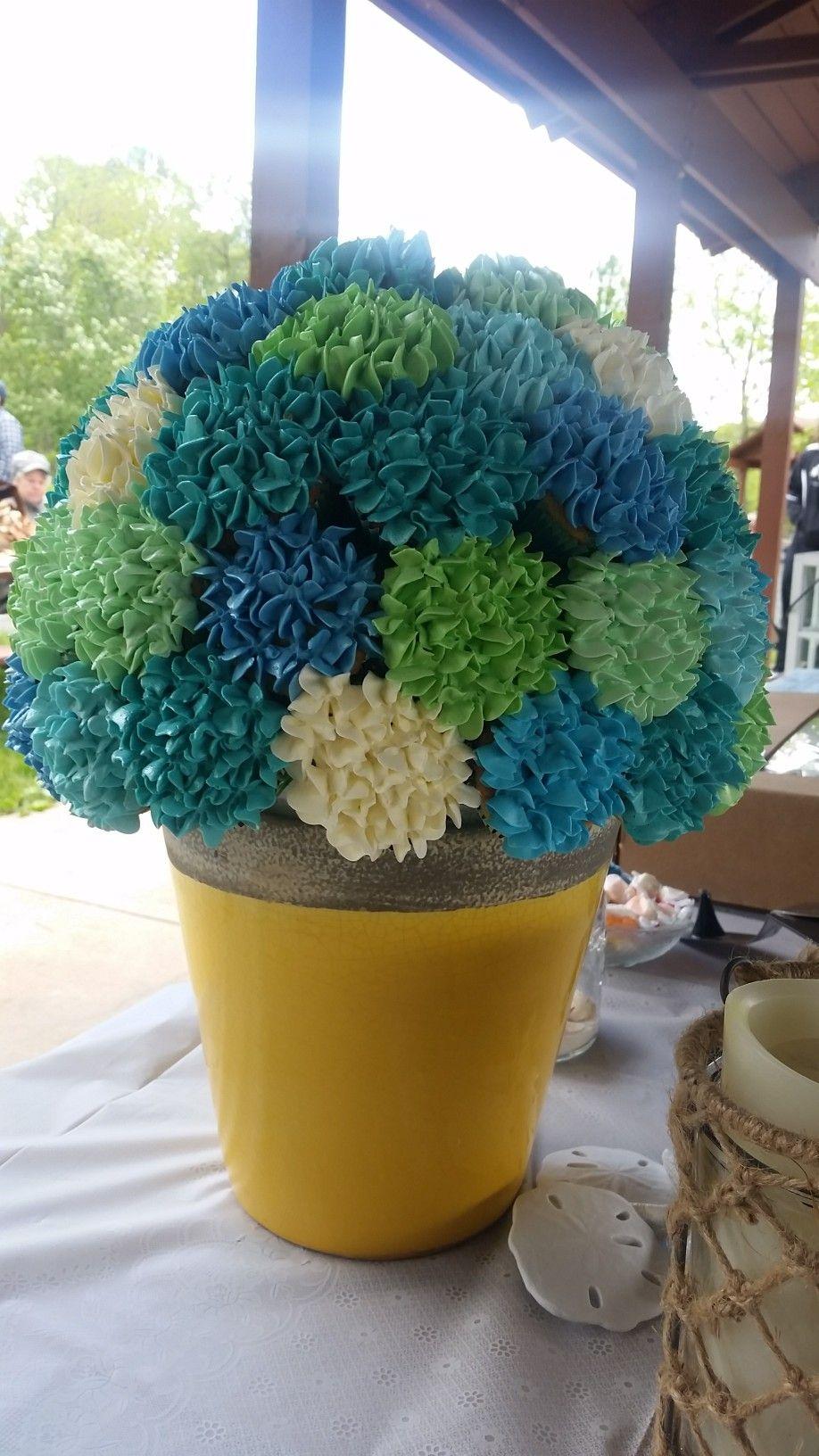 Hydrangea cupcake arrangement   Cupcake arrangements ...