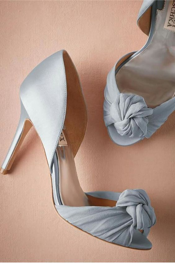 Classy grey shoes for weddings