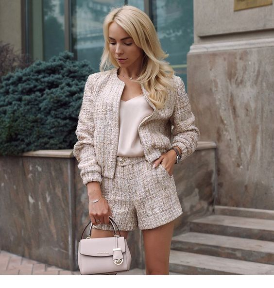 Wonderful outfit for October, blonde hair
