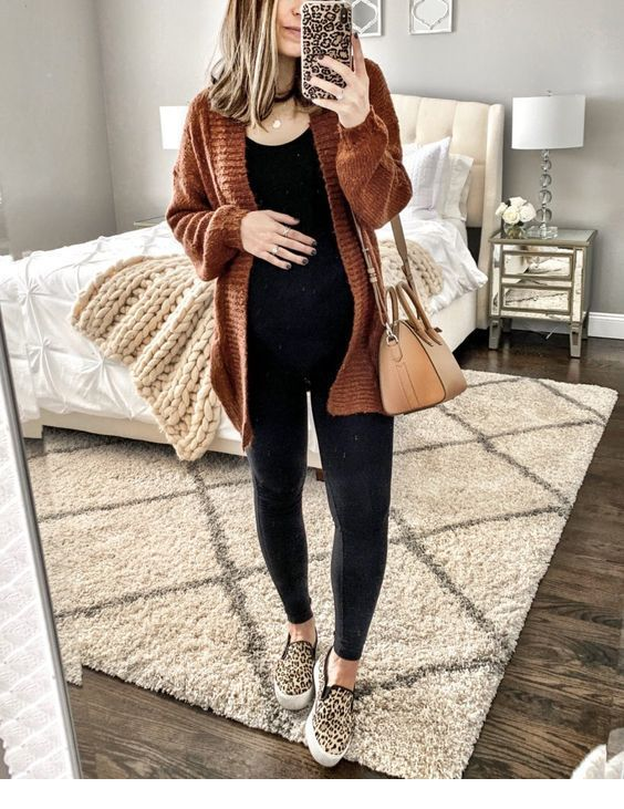 Cool maternity fall outfit