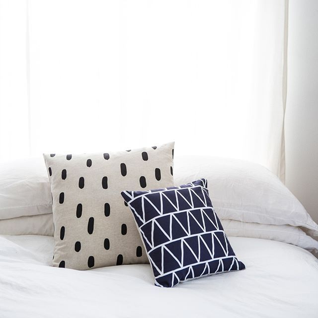 Added a couple of these brushstroke throw pillows to the shop inventory last night! One of my all time faves  did you know that @em_henderson used my brushstroke pillows in her recent Portland house renovation?? Patterned pillows really jazz up an all white bed linens situation.