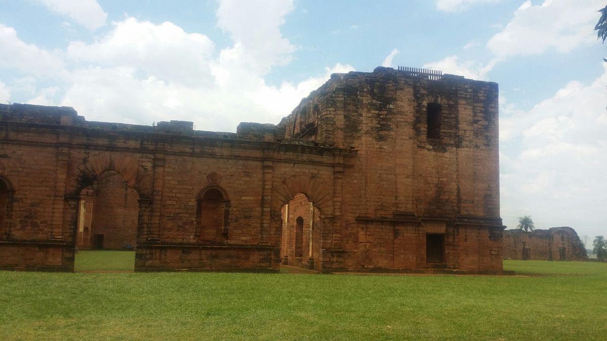 Ruinas De Jesús Itapua Paraguay Country Roads Gabu Road