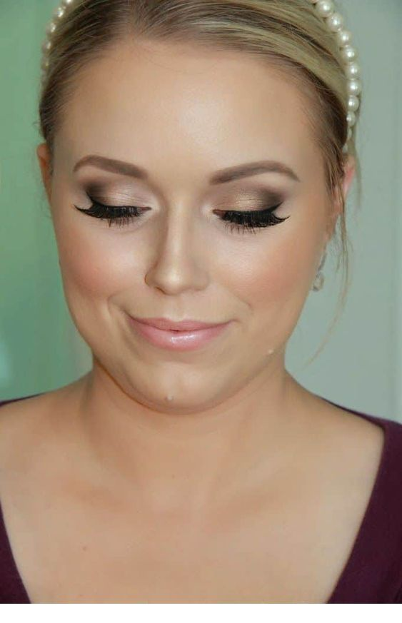 Pearls and a makeup