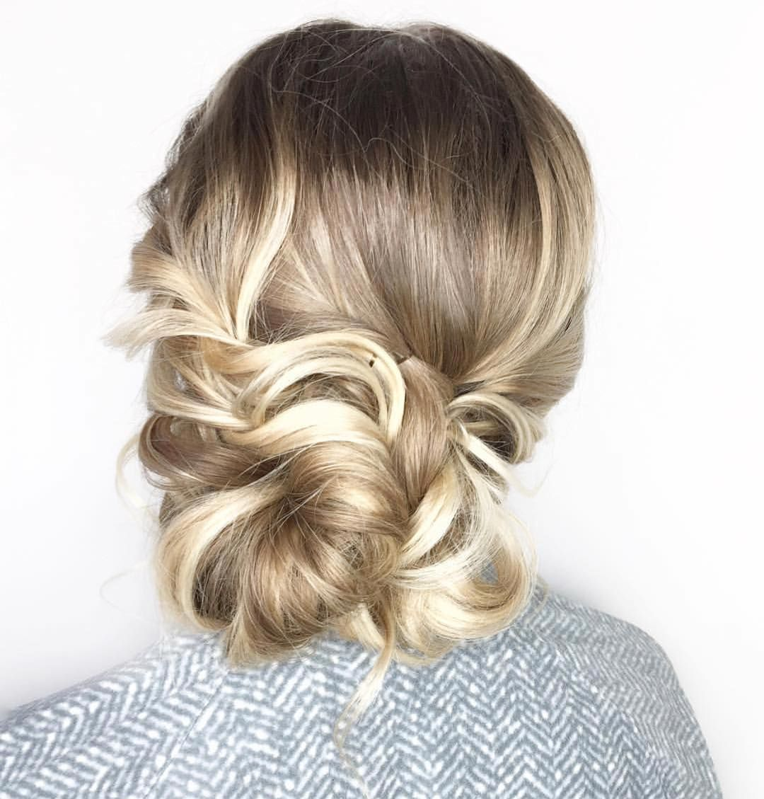 "This isn't your mama's bridesmaid hair. Here are 2018's best bridesmaid hairstyles to make sure your ladies look extra lovely.<p><a href=""http://www.homeinteriordesign.org/2018/02/short-guide-to-interior-decoration.html"">Short guide to interior decoration</a></p>"