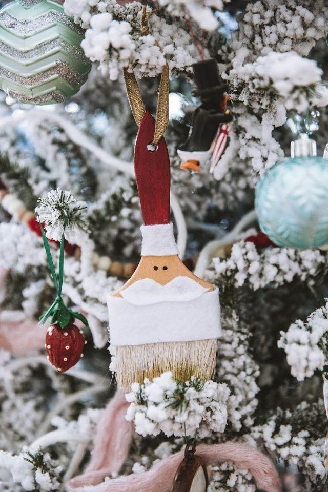 DIY Santa paint brush ornament + 15 more DIY Christmas Ornaments – C.R.A.F.T. #ChristmasTree #DIYChristmas