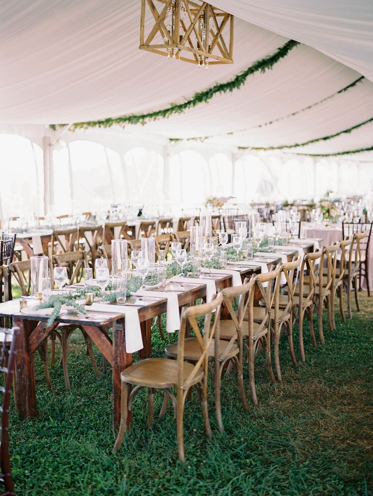 Now this is how you have a wedding reception in a tent!