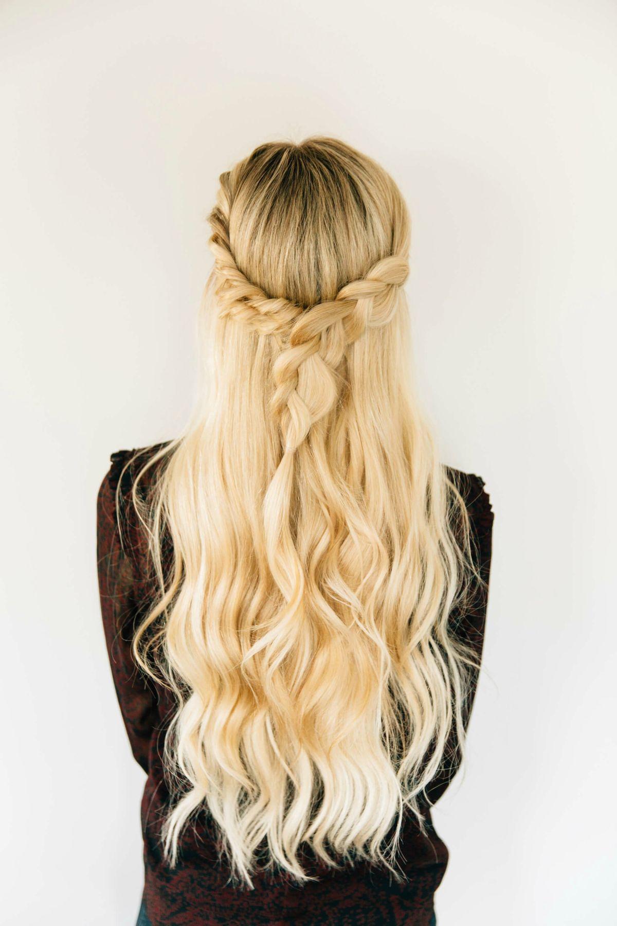 """Triple Twist Half Up + BFB Hair Update – Barefoot Blonde by Amber Fillerup Clark<p><a href=""""http://www.homeinteriordesign.org/2018/02/short-guide-to-interior-decoration.html"""">Short guide to interior decoration</a></p>"""