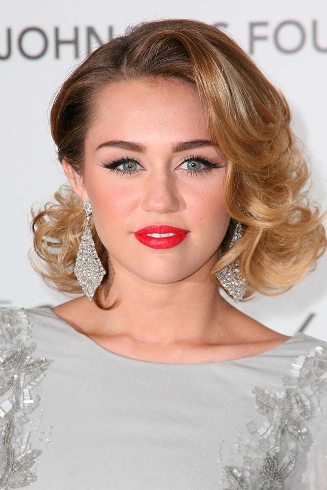 Blonde Side Swept Curly Lob #ombrehair #curlyhair #mileycyrus ★ Shoulder length haircuts allow for many styling and coloring options. And if you would like to revive your shoulder length tresses without sacrificing the length, see our photo gallery with cool and popular looks for your medium hair. Believe us, you will not regret stopping by. #glaminati #lifestyle #shoulderlengthhaircuts