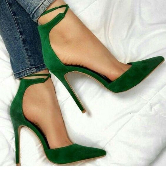 Jeans and green velvet pumps