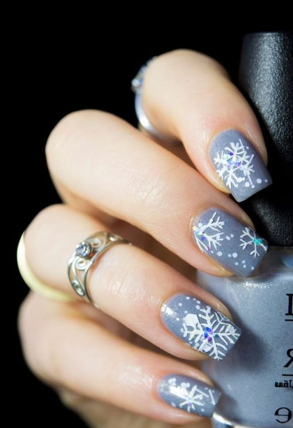 30+ Popular New year & Winter Nails 2020 – isishweshwe