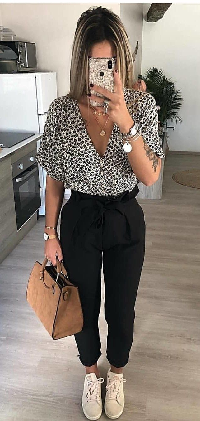 black and white leopard print short-sleeved shirt #spring #outfits
