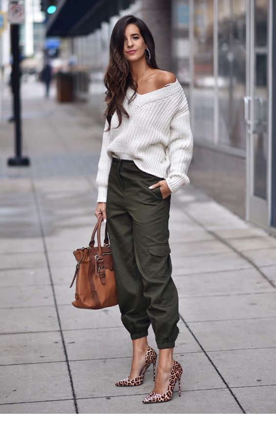 Oversize sweater, army pants and some nice accessories