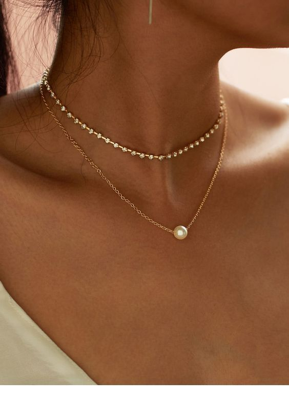Diamond necklace and pearl necklace
