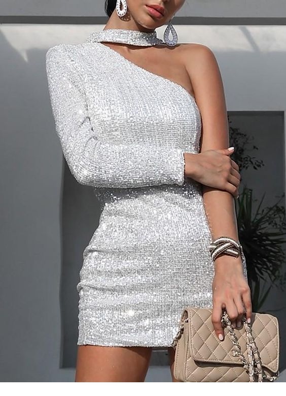 Glam short glitter dress with a nice bag