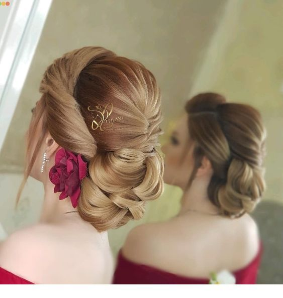 Amazing updo on blonde hair