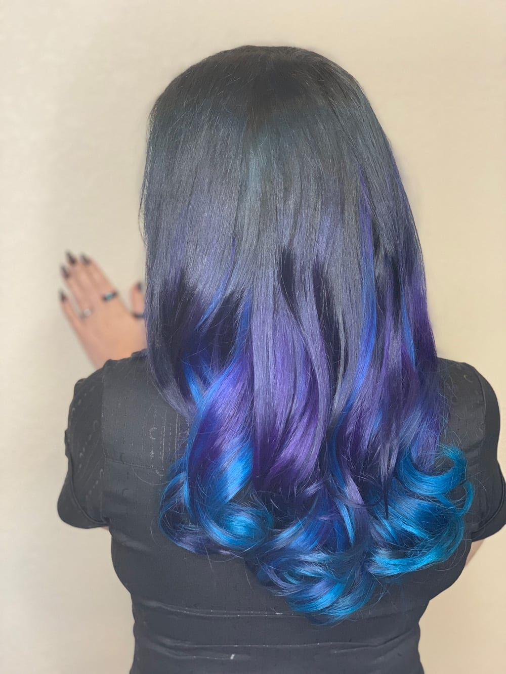 Courtney has Pulp Riot Noir, Jam and Nirvana in her hair