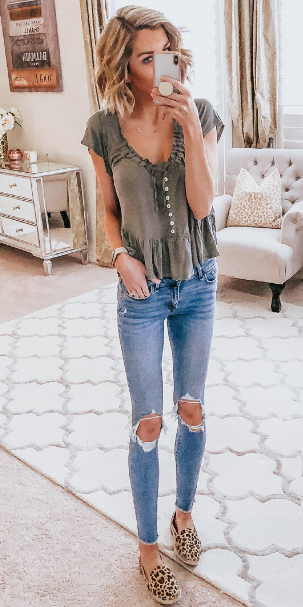 gray scoop-neck cap-sleeved blouse #spring #outfits