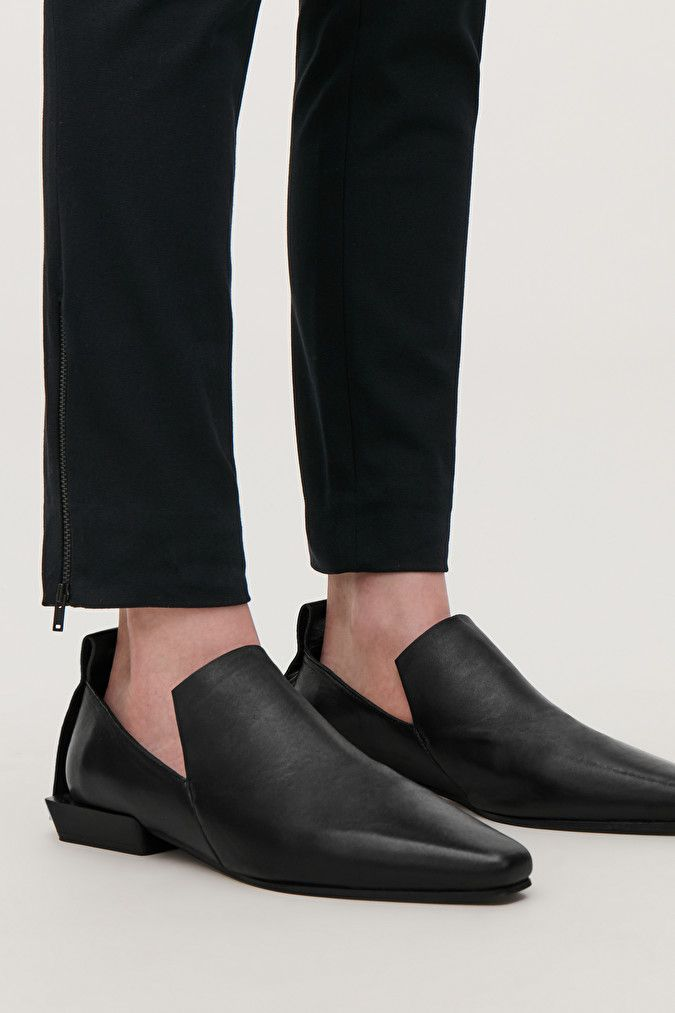 POINTED LEATHER LOAFERS - Black - Shoes - COS DE