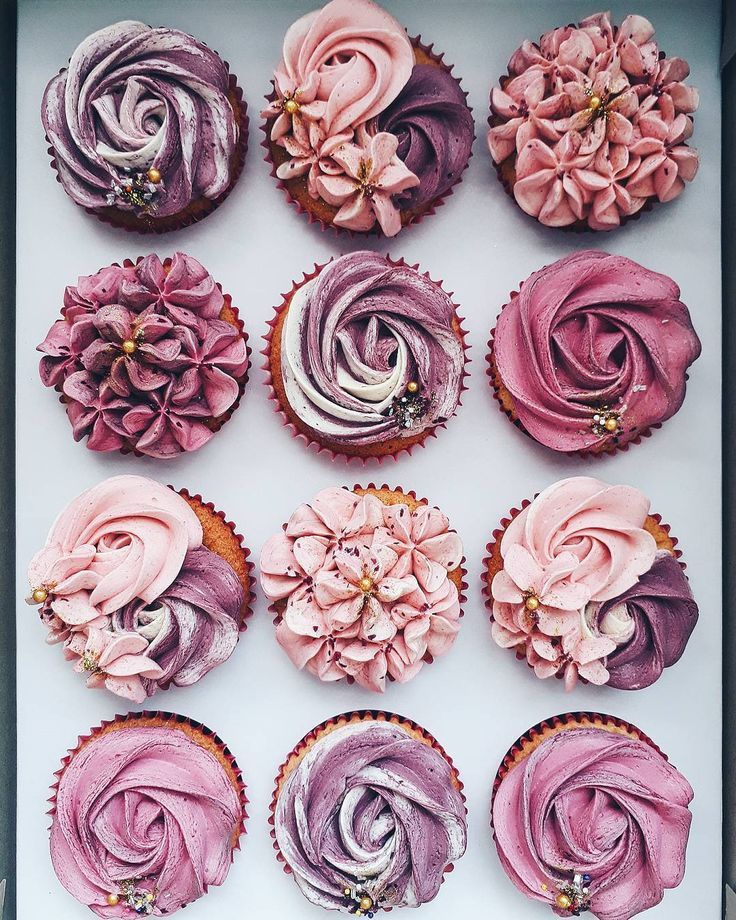 violet cupcake rosettes and flowers