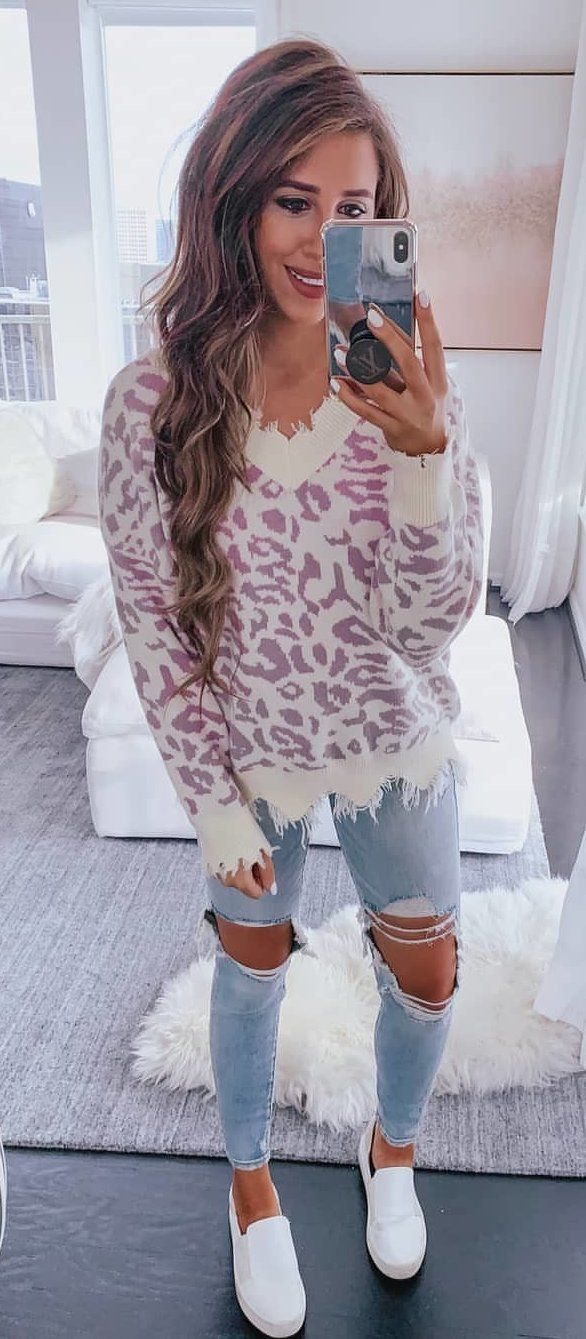 white and gray animal print long-sleeved shirt #spring #outfits
