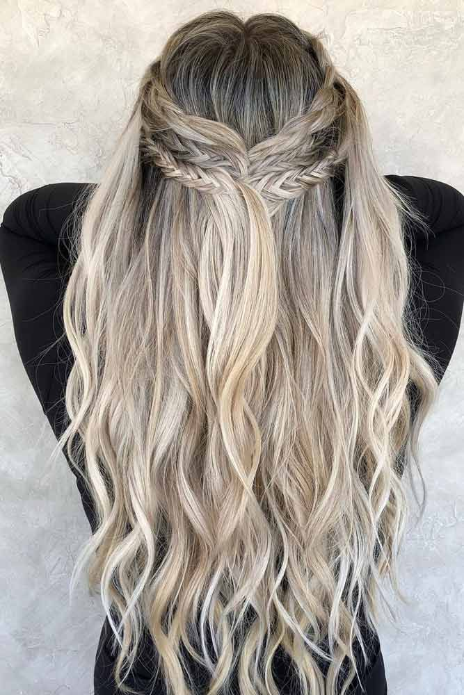 Half Up Half Down Hairstyle For Long Hair ★ Bohemian hairstyles are nothing but the embodiment of wildness and femininity! Want your hair to look effortless and cute? Dive into our gallery to keep up with boho trends: everything from short curly updo ideas to easy long braid styles is here! #bohemianhairstyles #bohemianhair #summerhairstyles #festivalhairstyles #boho #bohostyle