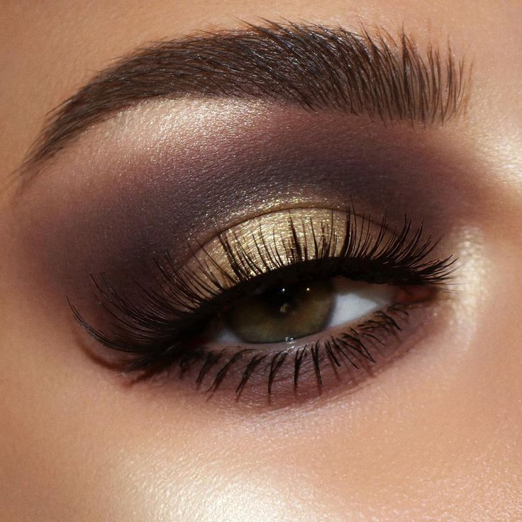 SMOKEY GOLD EYE MAKEUP LOOK ⚡Date night makeup idea using Pat McGrath Labs NEW 'MTHRSHP Sublime: Bronze Ambition' Eyeshadow Palette— Deep brown, warm matte brown, rich copper, bronze, gold, and champagne pigments for a sultry + glam makeup look | SHOP Bronze Ambition on PATMcGRATH.COM #springmakeup #eyemakeupidea #smokeyeye #patmcgrathlabs