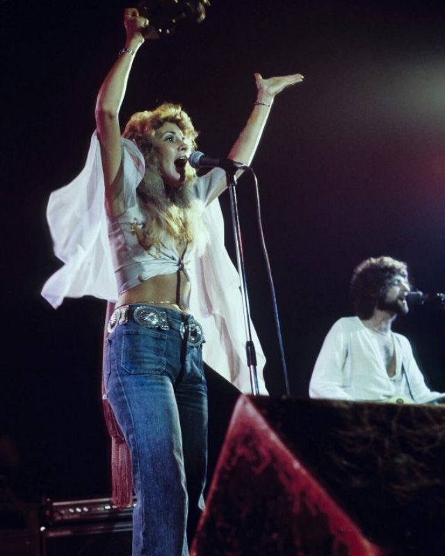 40 Candid Color Photographs Capture a Young and Beautiful Stevie Nicks on Stage in the 1970s and 1980s ~ vintage everyday