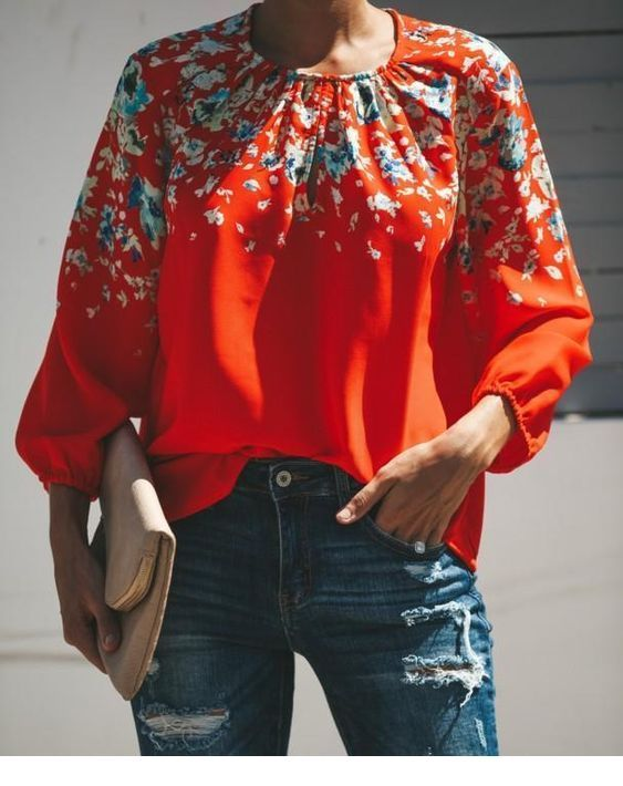 Amazing coral blouse with jeans