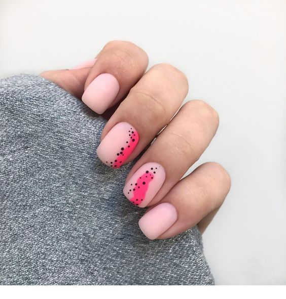 Pink nails and polka dots