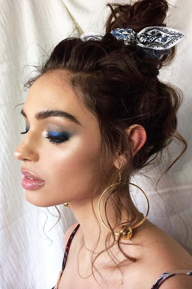 """Bun Hairstyle With Smokey Eyes Look <a class=""""pintag"""" href=""""/explore/smokeyeyes/"""" title=""""#smokeyeyes explore Pinterest"""">#smokeyeyes</a> <a class=""""pintag"""" href=""""/explore/bunhairstyle/"""" title=""""#bunhairstyle explore Pinterest"""">#bunhairstyle</a>  Want your hair and makeup scream about romance this Valentine's day? Dive in our gallery to see the latest ideas! Simple styles and natural makeup looks, eye-catching vintage makeup ideas for a night out, and lots of looks to show up at a romantic party are here!  <a class=""""pintag"""" href=""""/explore/valentinesdaymakeup/"""" title=""""#valentinesdaymakeup explore Pinterest"""">#valentinesdaymakeup</a> <a class=""""pintag"""" href=""""/explore/valentinesdayhairstyle/"""" title=""""#valentinesdayhairstyle explore Pinterest"""">#valentinesdayhairstyle</a> <a class=""""pintag"""" href=""""/explore/valentinesday/"""" title=""""#valentinesday explore Pinterest"""">#valentinesday</a> <a class=""""pintag"""" href=""""/explore/makeup/"""" title=""""#makeup explore Pinterest"""">#makeup</a> <a class=""""pintag"""" href=""""/explore/hairstyle/"""" title=""""#hairstyle explore Pinterest"""">#hairstyle</a><p><a href=""""http://www.homeinteriordesign.org/2018/02/short-guide-to-interior-decoration.html"""">Short guide to interior decoration</a></p>"""