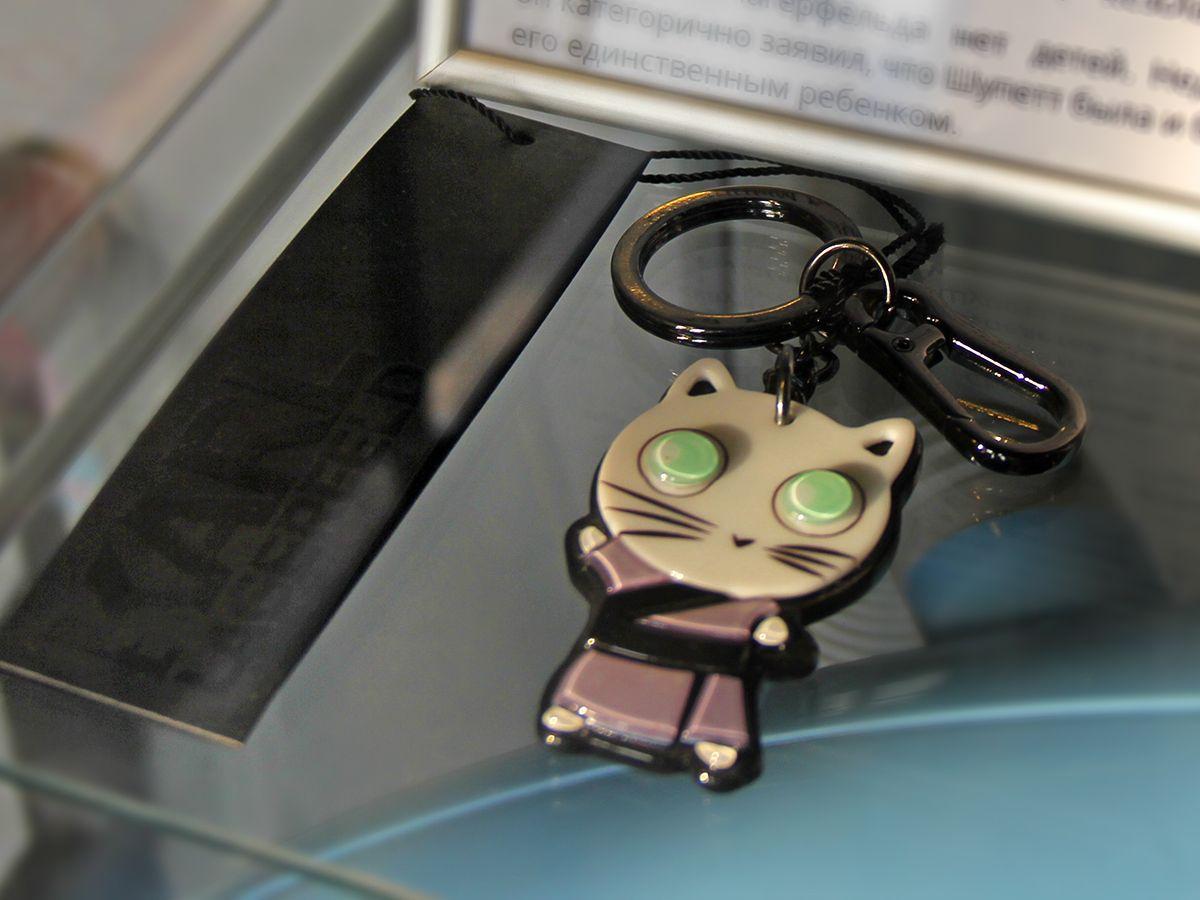 Один из экспонатов из фирменного бутика Карла Лагерфельда в музее кошек в Зеленоградске. Фото: Evgenia Shveda