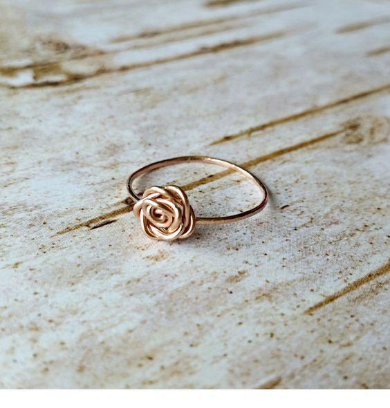 Amazing gold rose ring
