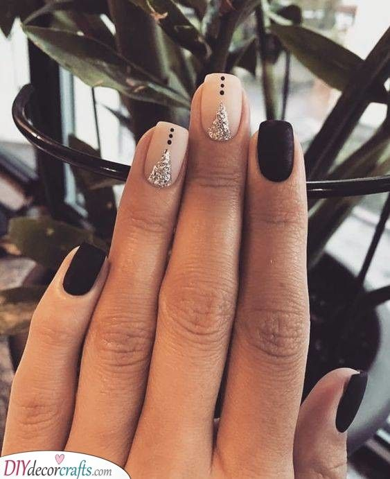 Creative and Divine – Perfect Short Nail Design