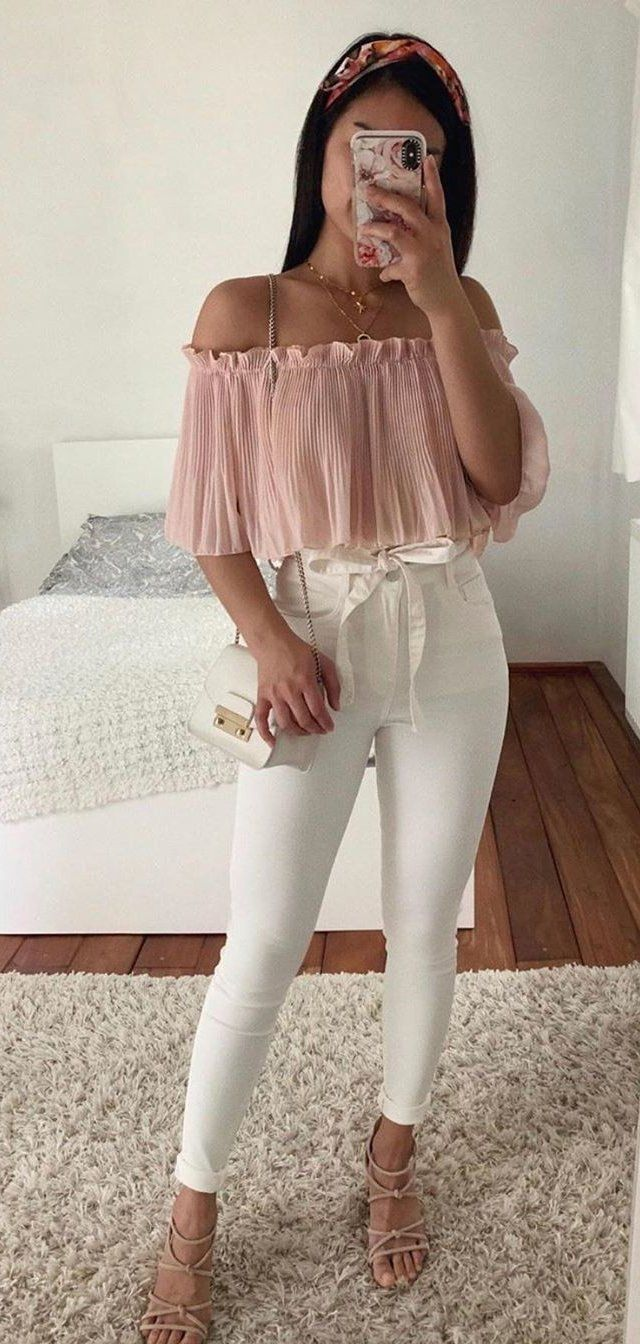 pink off-shoulder blouse and white denim jeans #summer #outfits