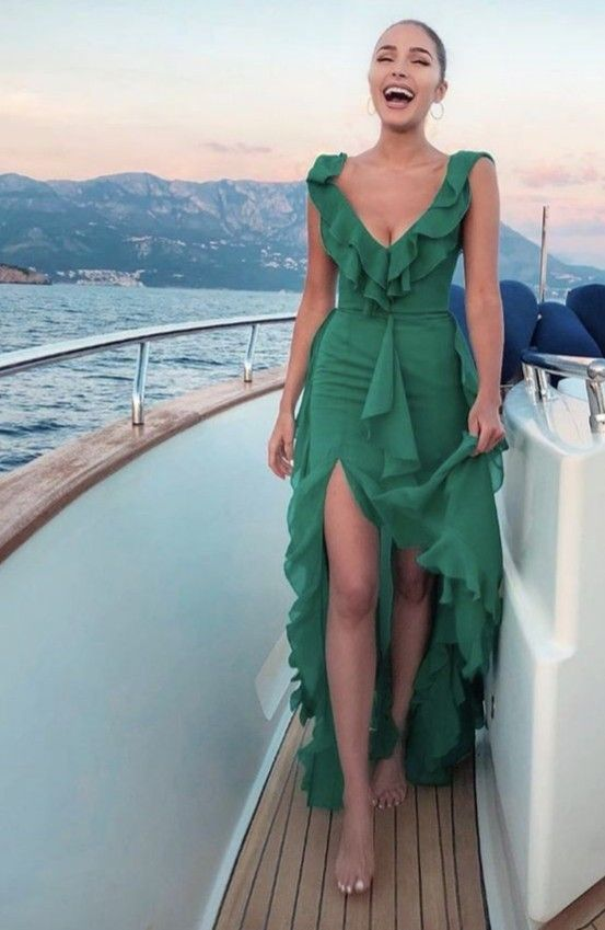 #ladyluxurydesigns #dresses #dressoutfits #fashion #vacation #boat #summer #island #islandstyle #islanddress #greendress #gowns #gownsdresses #smiling