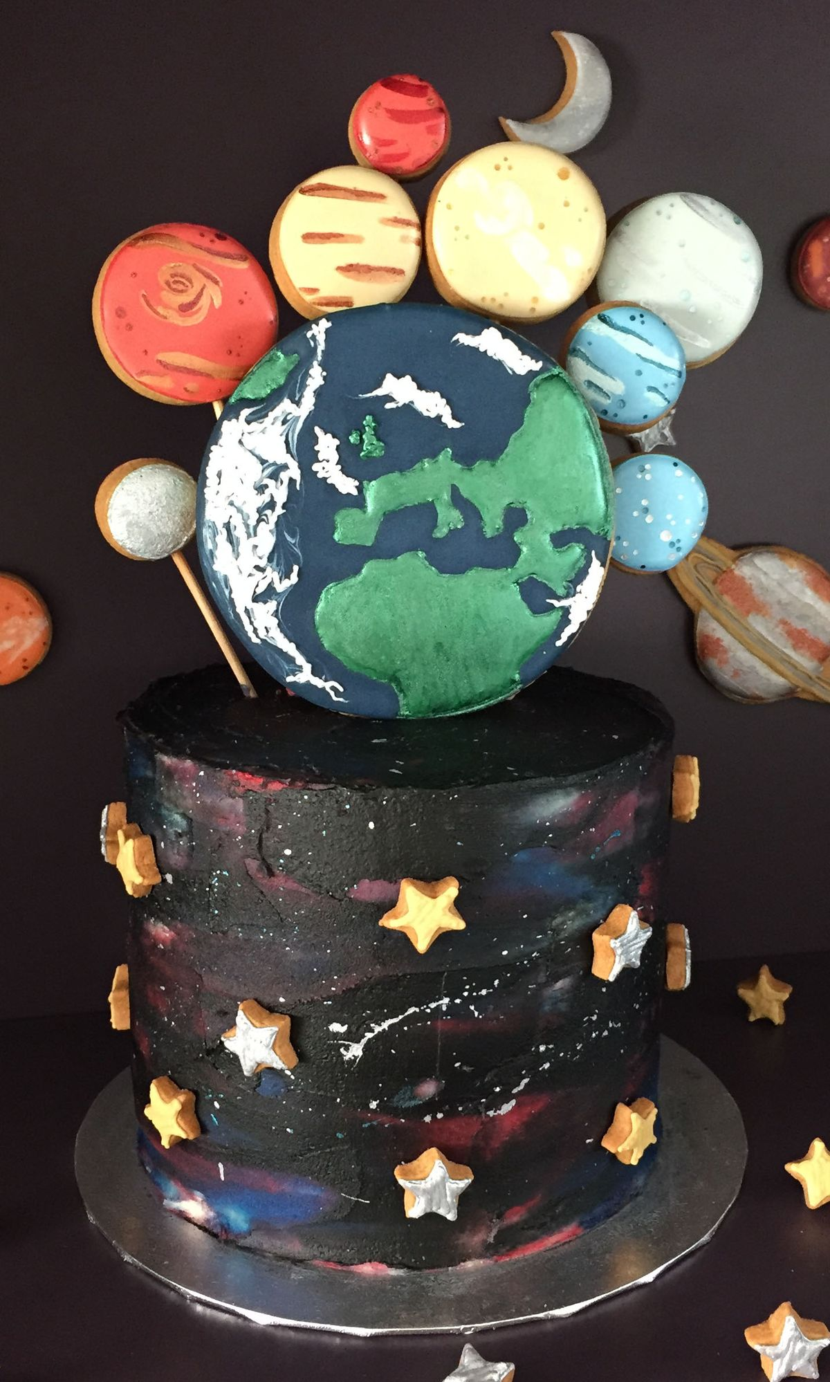 How to bake and ice an Outer Space Cake