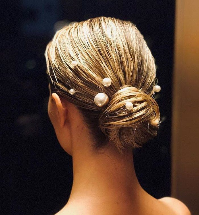 Gorgeous Hair Accessories To Glam Up Your NYE Hairstyle updo pearl accessories