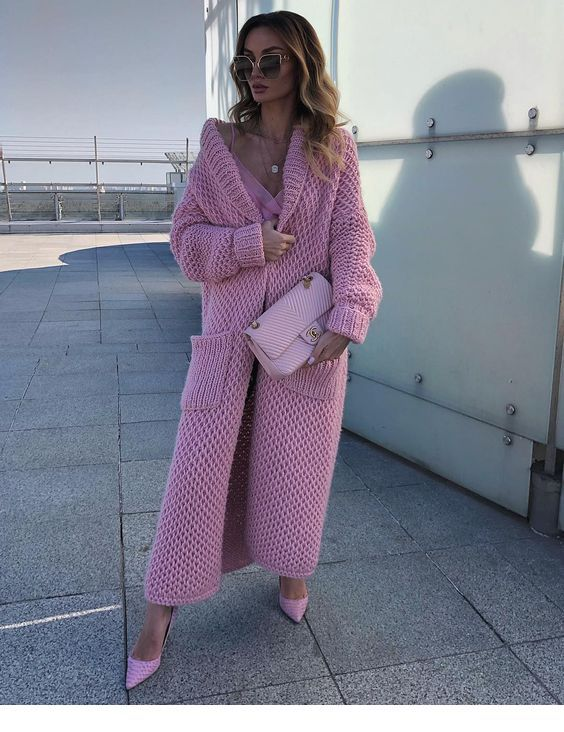 Glam pink street look style