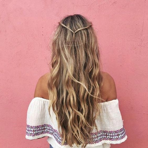 54 Cute and Easy Long Hairstyles for School for Fall and Winter – Hairstyle 24. 🅷🅰🅸🆁🆂🆃🆈🅻🅴  ♥ #hairstyles ♥♥ #longhair ♥♥ #longhaircut ♥♥ #longhairstyle ♥♥ #hair ♥♥♥ Hope you like it ! ღ(¯`◕‿◕´¯) #longhairstyles